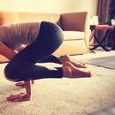 許瑋寧課後健身挑戰高難度運動 身材纖細長腿搶鏡