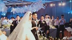 张馨予婚礼甜蜜梦幻 谈与老公何捷初遇哽咽落泪