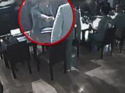 刘强东晚餐亲历者:刘不认识女生 座位没刻意安排