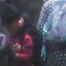 賈乃亮接女兒甜馨放學 父女難捨分別親吻了三次