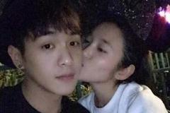 张若昀唐艺昕恋情长达8年 甜蜜浪漫似偶像剧