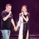 田蕊妮演唱會與爸爸牽手合唱《月亮代表我的心》