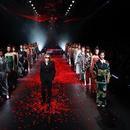 YOSHIKI參加時尚活動 稱想爲災區儘自己微薄之力