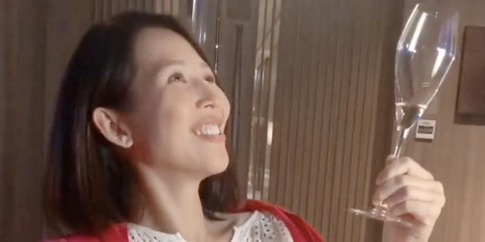 蔡少芬晒生日视频狂笑场 张晋为爱妻打光幸福满溢