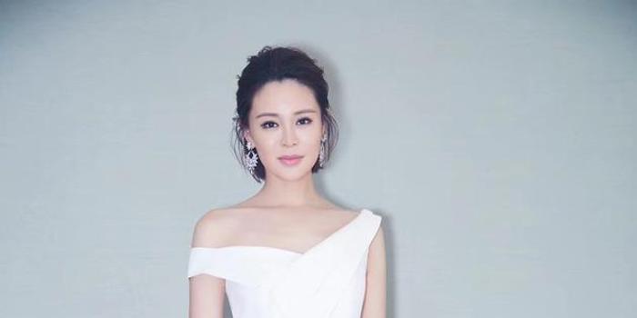 佟大为妻子揭影视业性别偏见 呼吁创造平等环境