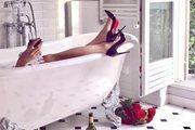 尚品生活|女性为何热衷在洗手间自拍