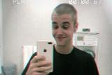 千呼万唤始出来,Justin Bieber终于剪头发了