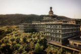 走进日本最大的废弃酒店 已关闭10余年