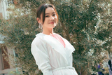 袁姗姗助阵ISSEY MIYAKE秀 白色连衣裙清新可人