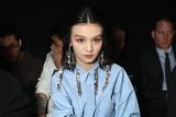 春夏助阵Givenchy巴黎大秀 天蓝色衬衫裙文艺范十足
