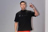 陈伟霆助阵上海时装周 活力橙色运动装活力无限