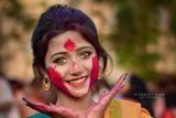 网络爆红印度少女 橄榄绿瞳色迷倒一众网友