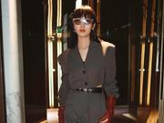 王紫璇现身巴黎 助阵Acne Studios2020春夏女装秀
