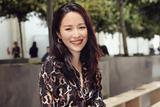江一燕印花裙加身 优雅助阵MK纽约时装周大秀