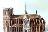 国外网友做了一个巴黎圣母院的姜饼屋