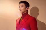 杜江身着红色西亮相央视春晚 尽显熟男本色