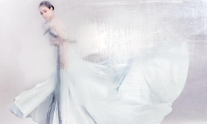 舒淇登《嘉人》封面 美若有力穿透霾雾也照耀你