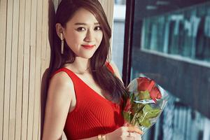 [街拍时刻]学陈乔恩七夕装扮做甜蜜女孩