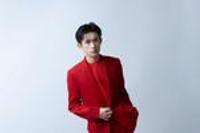 易烊千璽方宣布與紀梵希美妝解約:堅持一個中國原則