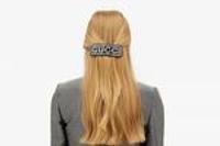 復古發飾回潮:Gucci推出全新水晶鑲嵌Logo發飾系列