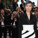 """不單是李宇春 女明星靠不對稱裙變身""""腿霸"""""""