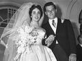 美國名門望族的9件奢華古董婚紗