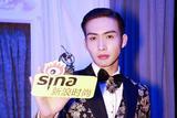 张彬彬助阵Dolce & Gabbana T台首秀演绎贵族范