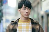 许魏洲拍摄新歌《橙色天空》MV 上演浪漫异国恋