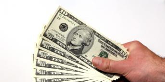 陈一铭:GDP表现强劲美元走高 英镑反弹百点一枝独秀
