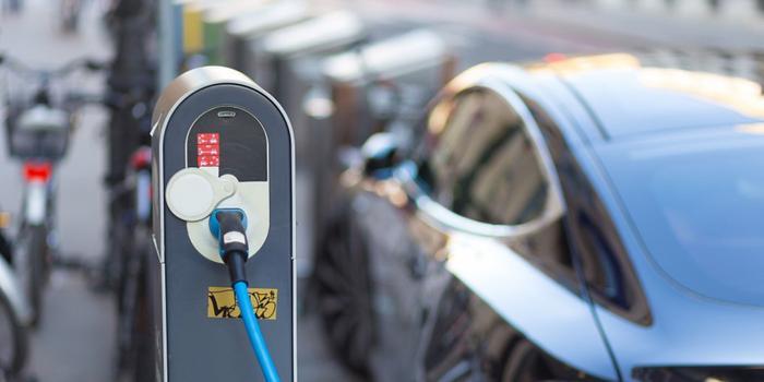 德国力推新能源汽车发展 2030年前将建100万个充电桩