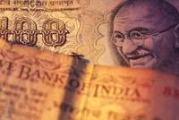 印度卢比兑美元创历史新低 开盘贬值跌破74.41