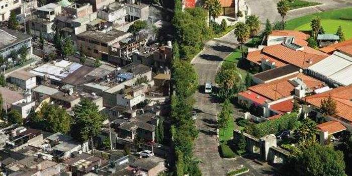 美国贫困率维持高位 贫富差距持续扩大