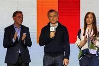 阿根廷现任总统马克里初选大败 比索大幅贬值达27%