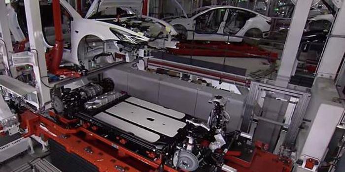 特斯拉一边造车 一边造电池?
