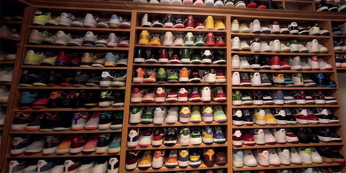 炒鞋币乱象:一双鞋要3万六 每个人都希望别人是韭菜
