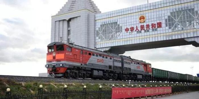 国务院研究员赵晋平:对外贸易机遇与挑战并存