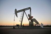 特朗普威胁对墨西哥加征关税 油价跌至2月以来最低