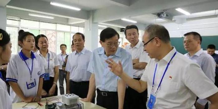 全国政协常委李伟:人工智能与教育职业培训密切相关