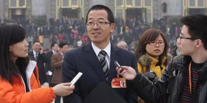 连续三届政协委员 俞敏洪都带来了哪些教育提案?