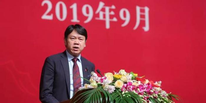 光华院长刘俏2019年开学典礼致辞:为成长的灵魂欢呼