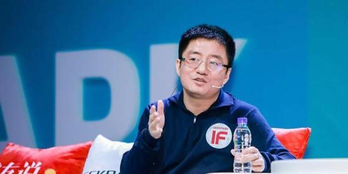功成不必在我:美团宣布联合创始人王慧文今年底退休