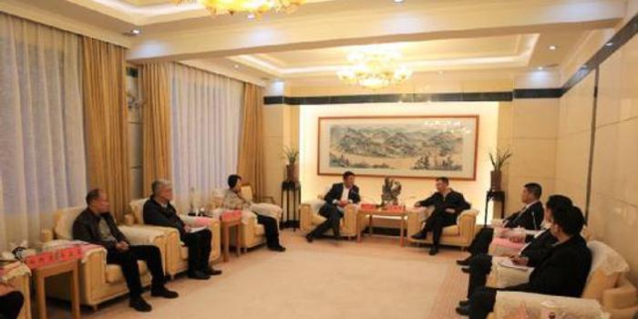 海外华侨主动来访,助力茅台走向更宽广的世界舞台