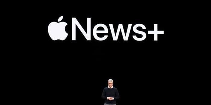 """瞬间蒸发100亿美元 苹果为了变""""软""""值吗?"""