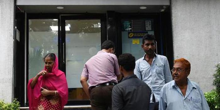 """印度经济为何遇数十年未有之危局?改革难动""""奶酪"""""""