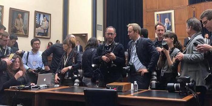直击扎克伯格6小时国会听证 议员:我们更不信脸书了