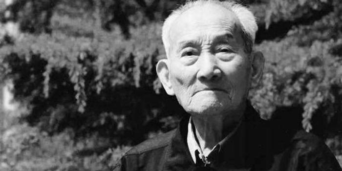 酒业泰斗秦含章逝世 享年112岁