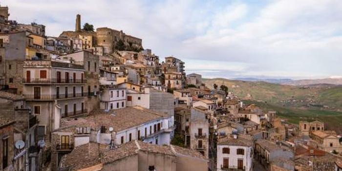 意大利的这个小镇正在免费赠送房屋 但有一个问题…