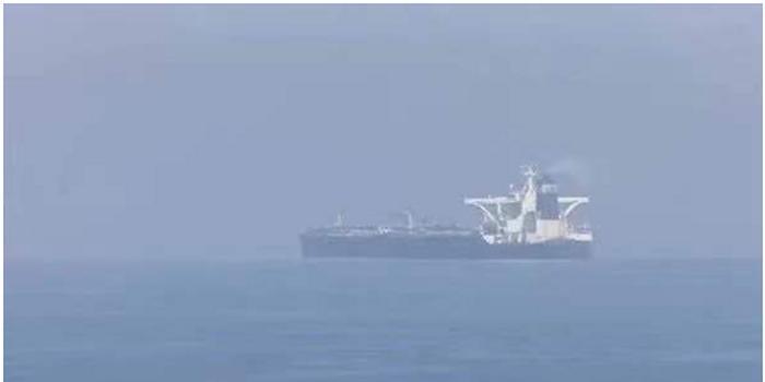伊朗油轮遭导弹击中:国际油价飙升 A股相关板块异动