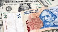 阿根廷比索创历史新低 阿根廷向IMF求援难治本