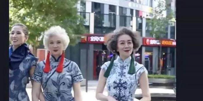 """这群到巴黎走秀的老奶奶火了 """"银发经济""""风口已来"""
